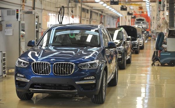 Debrecenben épít gyárat a BMW