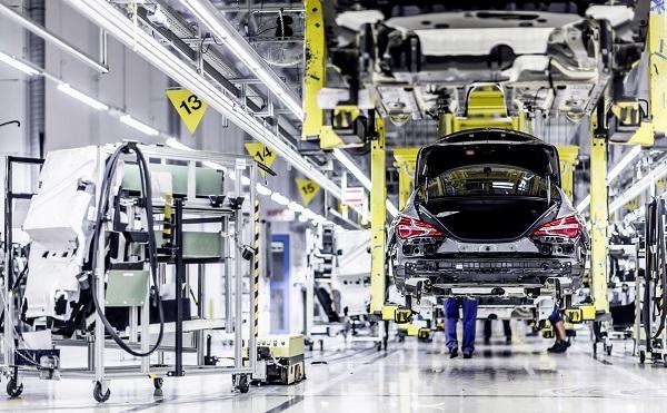 A Mercedes-Benz megkezdi új autógyárának építését Kecskeméten