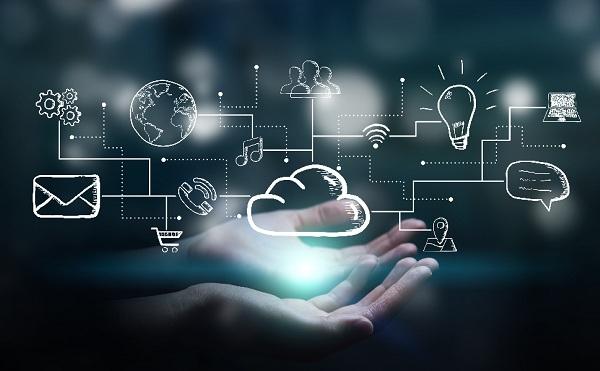 Kkv-k digitalizációját segítő ötleteket díjazott a UPC