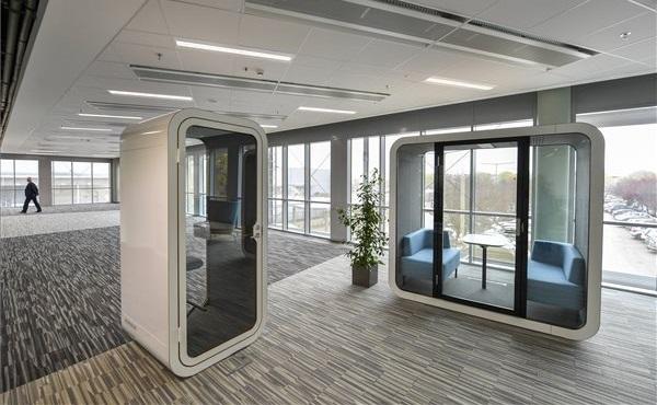 Átadták a National Instruments debreceni szolgáltatóközpontja új épületét