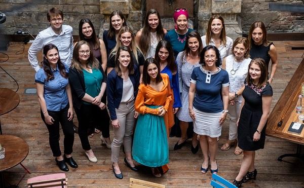A Hiventures StartupHer programja 9 vállalkozói csapatot jutalmazott