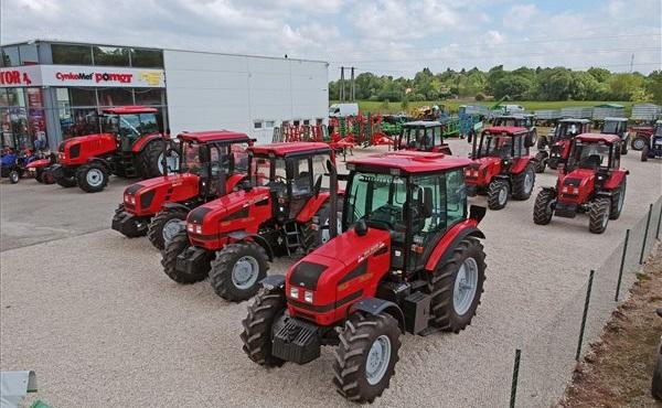 Átadták a Royal Traktor Zrt. pápai telephelyét