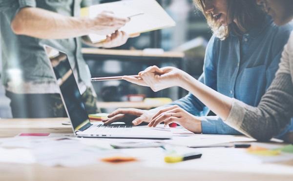 Tizenhárom vállalkozást támogat az OTP Startup Partner Program